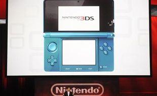 Le président de Nintendo Satoru Iwata lors de la présentation de la Nintendo 3DS à l'E3 de Los Angeles le 15 juin 2010.