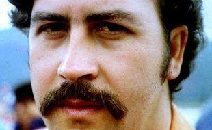 Photo non datée du baron de la drogue colombien Pablo Escobar à la prison d'Envigado