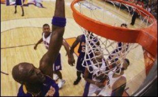 Phoenix et Boris Diaw disputeront un 7e et dernier match samedi contre les Los Angeles Lakers au 1er tour de la phase finale du Championnat nord-américain de basket-ball (NBA), après leur succès 126 à 118 après prolongation lors du match N.6, jeudi.