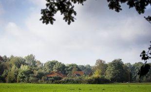 La ferme où la famille a été retrouvé par la police néerlandaise, à Ruinerwold dans la province de Drenthe, le 14 octobre 2019.