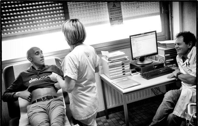 Le photo-reporter Alain Keller a baladé son appareil photo dans le service dirigé par le Dr Cyrille Hulin pour dévoiler la réalité du myélome, maladie chronique méconnue.