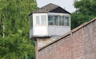 Surveillant dans un mirador à l'ancienne prison de Loos, en 2009