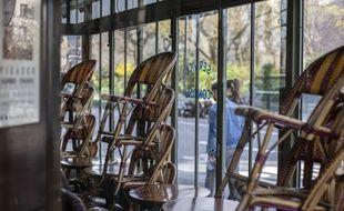 Un café à Paris le 15 mars 2020.