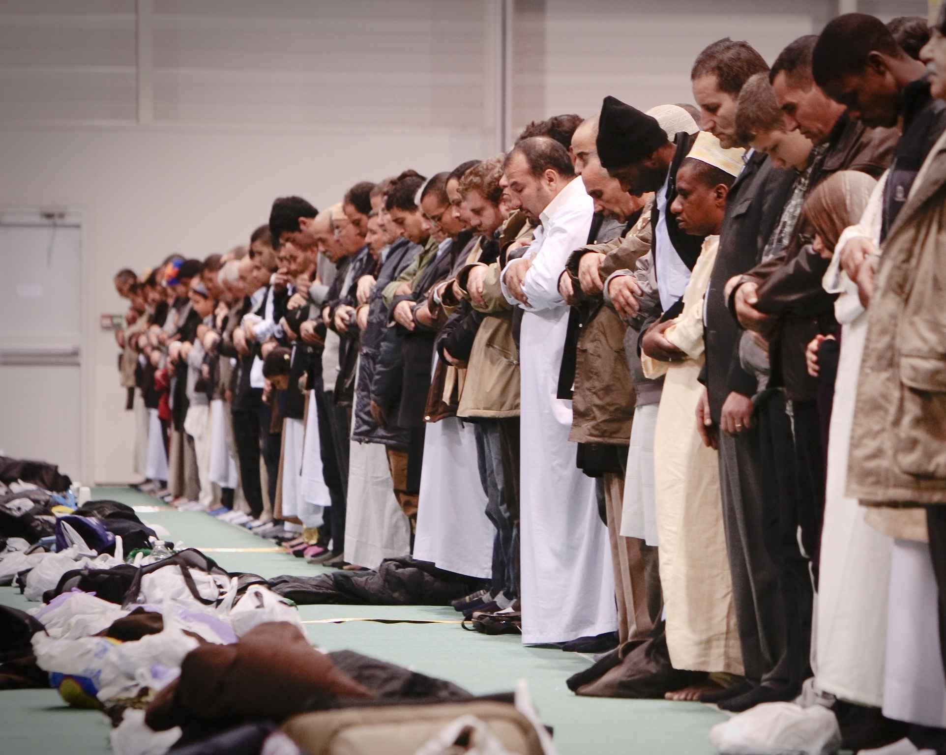 Évacuation d'une mosquée occupée illégalement — Clichy-la-Garenne
