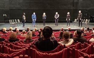 Un atelier d'oralité animé par Muriel Mayette-Holtz, directrice du Théâtre national de Nice. (Illustrations)