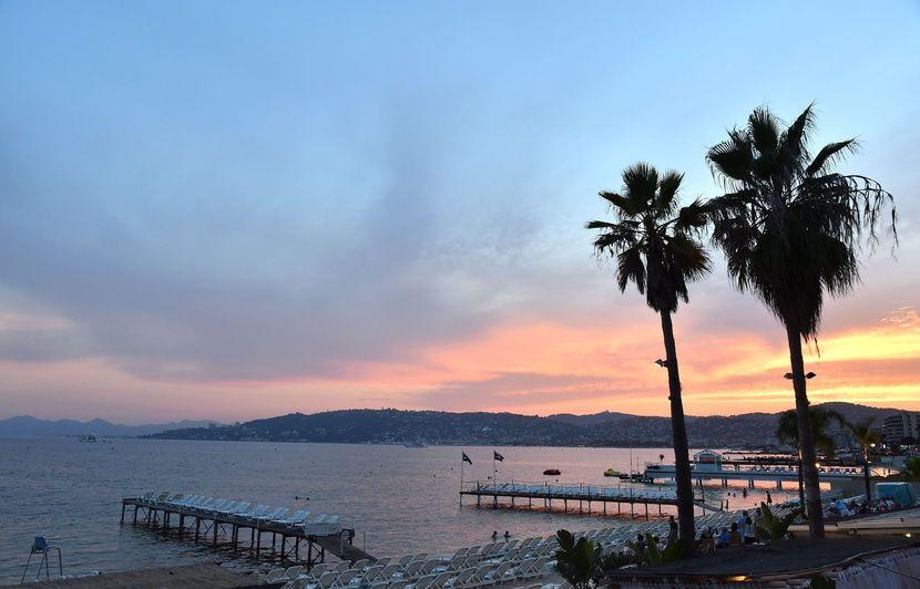 Côte d'Azur: Une plage polluée par les eaux usées de la famille royale saoudienne