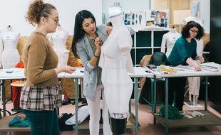 Le robot-mannequin créé par l'entreprise drômoise Euveka a été primé au CES de Las Vegas.
