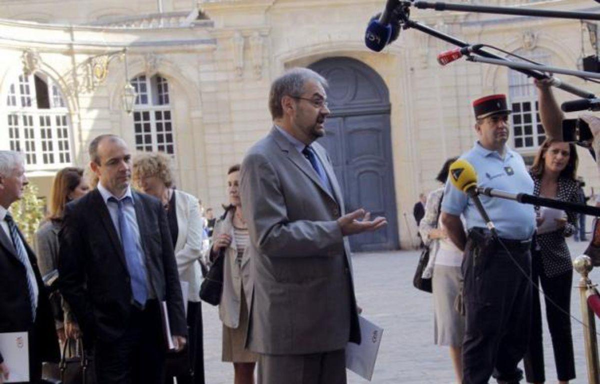 Le secrétaire général de la CFDT, François Chérèque, a estimé mercredi que la revalorisation du smic devait aussi s'accompagner d'une hausse du RSA et d'une politique plus générale sur le temps partiel. – Pierre Verdy afp.com