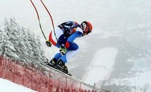 Le Suisse Didier Cuche a sauvé samedi la descente raccourcie de Kitzbühel en établissant un record au bas de la Streif avec un 5e succès dans l'épreuve la plus prestigieuse de la Coupe du monde de ski alpin, pour dépasser définitivement le grand Franz Klammer.