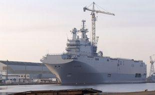 Le Vladivostok, l'un des deux porte-hélicoptères de type Mistral, en 2014 à Saint-Nazaire, destinés à la Russie et finalement vendus à l'Egypte.