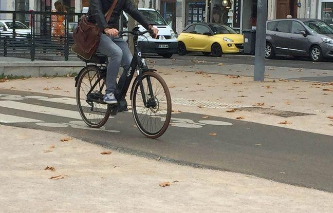 Lyon: La presqu'île de nouveau piétonne samedi, des parkings à vélos éphémères à disposition du public