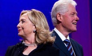Bill Clinton ne sait pas si sa femme Hillary sera candidate à l'élection présidentielle de 2016 mais il n'a pas complètement exclu cette idée, dimanche dans une interview à la chaîne CBS.