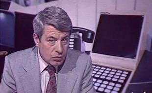 TF1: Roger Gicquel lance un sujet sur le Minitel.