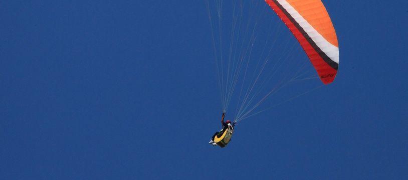Image d'illustration d'un parachute.
