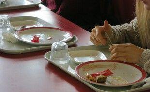 Des étudiants au restaurant universitaire de Mabillon, le 30/09/2020.