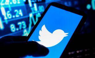 Twitter lance des abonnements payants à des comptes d'influenceurs.