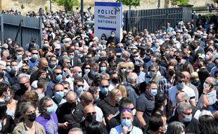 Des milliers de personnes ont participé à l'hommage rendu à Eric, ce policier d'Avignon tué en intervention mercredi dans la soirée