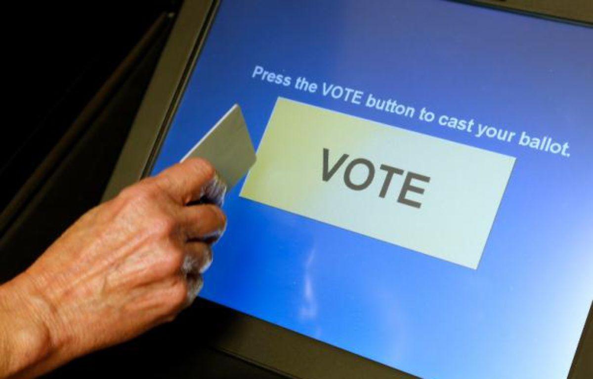 Une machine à voter dans le comté de Fairfax, en Virginie. – J.ERNST