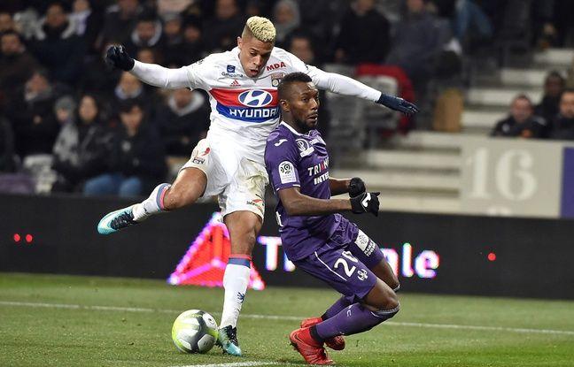 Lyon: L'OL ne devrait-il pas recruter en priorité un avant-centre durant ce mercato?