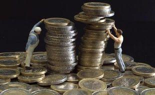 Des figurines et des euros