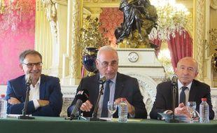 David Kimelfeld (à gauche) et Georges Képénékian (au centre) ne sont plus sur la même longueur d'onde que Gérard Collomb.