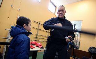 Etienne, 5 ans, a visité le commissariat de police de Rennes mercredi 11 février 2015.