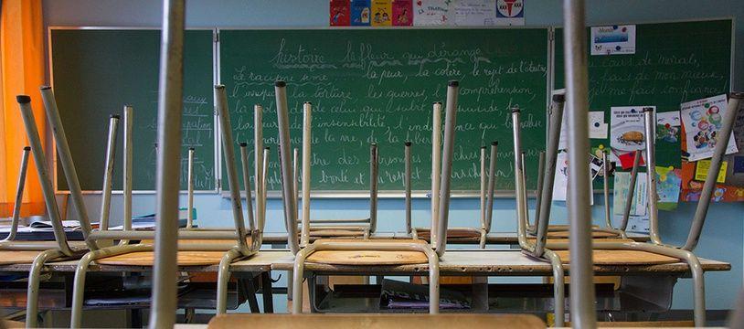 Une salle de classe. Illustration.