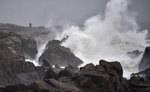 Mer déchaînée à Batz-sur-Mer (Loire Atlantique) dimanche 31 décembre. La tempête Carmen traverse ce lundi la France d'ouest en est.