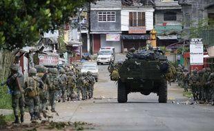 L'armée philippine se déploie à Marawi le 28 mai 2017.