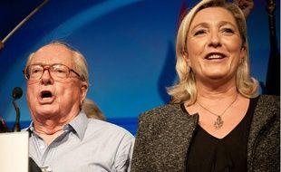 Jean-Marie Le Pen et Marine Le Pen, le 15 septembre 2013 à l'université d'été du Front national, à Marseille.