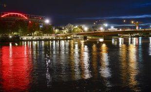 Illustration de la ville de Nantes de nuit