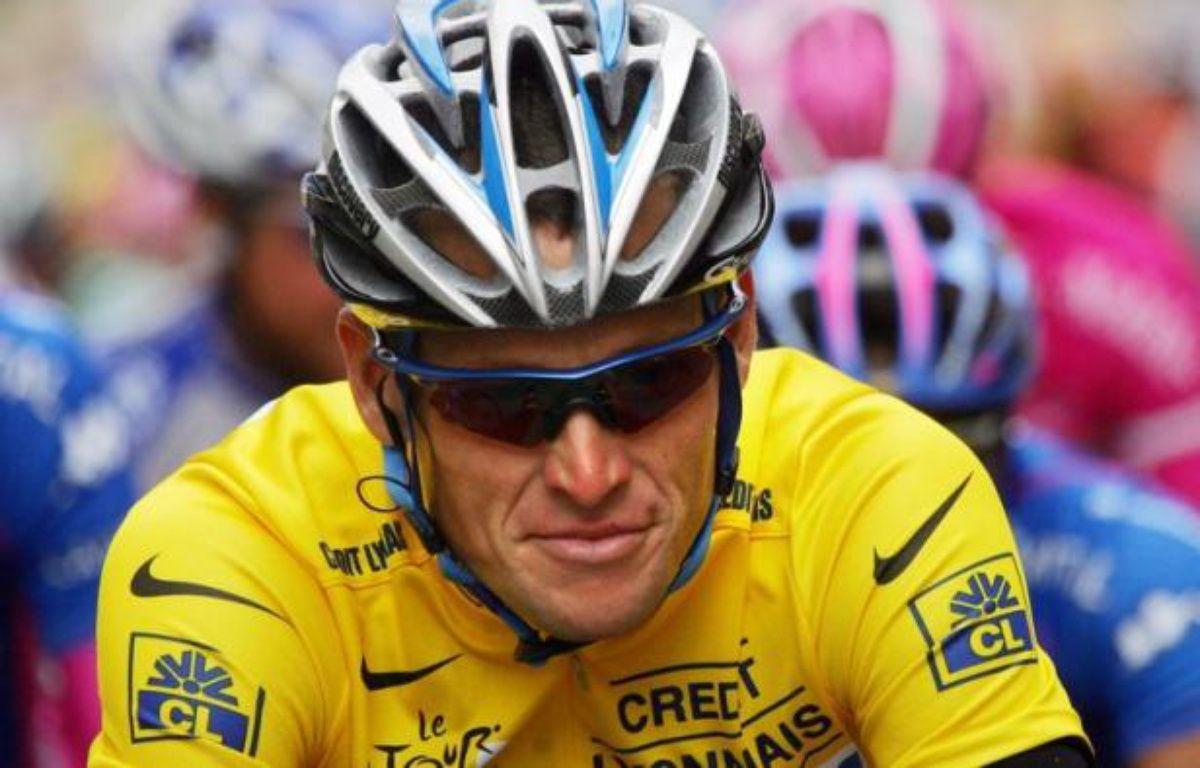 Le septuple vainqueur du Tour de France Lance Armstrong va perdre ses sept titres du Tour de France et sera radié à vie du cyclisme professionnel après avoir renoncé à poursuivre sa bataille judiciaire contre l'Agence américaine antidopage (Usada). – Joel Saget afp.com