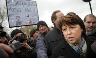 La maire de Lille (nord) Martine Aubry a été officiellement déclarée mardi soir vainqueur du scrutin désignant le premier secrétaire du Parti socialiste français, à l'issue d'un duel sans merci avec sa rivale Ségolène Royal, ex-candidate à la présidentielle.
