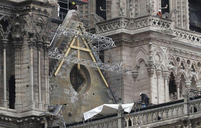 Notre-Dame de Paris: Les travaux de bâchage s'accélèrent pour protéger la cathédrale de la pluie