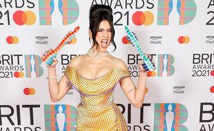La chanteuse Dua Lipa aux BRIT Awards 2021