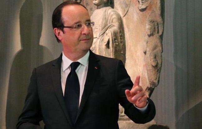 François Hollande en visite au musée Nezu de Tokyo (Japon), le 7 juin 2013.