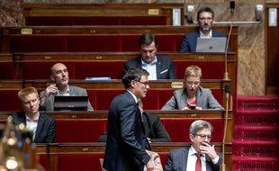 Olivier Faure du Ps devant les élus insoumis.