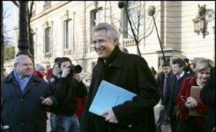 Le Premier ministre Dominique de Villepin est arrivé jeudi à 08H55 au pôle financier du tribunal de grande instance de Paris poury être entendu comme témoin par les deux juges de l'affaire Clearstream.