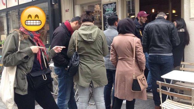 Une queue parisienne