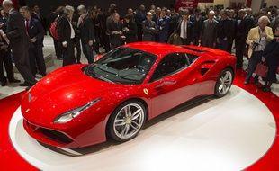 Autre star du Salon de Genève 2015, la Ferrari 488 GTB prendra la relève de la 458 Italia à l'été 2015. Avec son nouveau moteur V8 3,9 litres biturbo à injection directe et ses 670 chevaux, l'Italienne affole les chronos: de 0 à 100 km/h en seulement 3,9 second