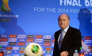 Le président de la Fifa, Sepp Blatter, lors d'une conférence de presse au Brésil, le 3 décembre 2013 à Costa Do Sauipe.