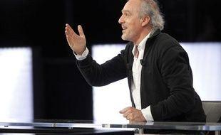 Philippe Poutou, candidat NPA à la présidentielle, sur le plateau de «Des paroles et des actes» sur France 2, le 11 avril 2012.