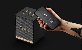 L'enceinte de salon Uxbridge de Marshall porte en elle l'ADN rock de la marque d'amplificateurs de scène.