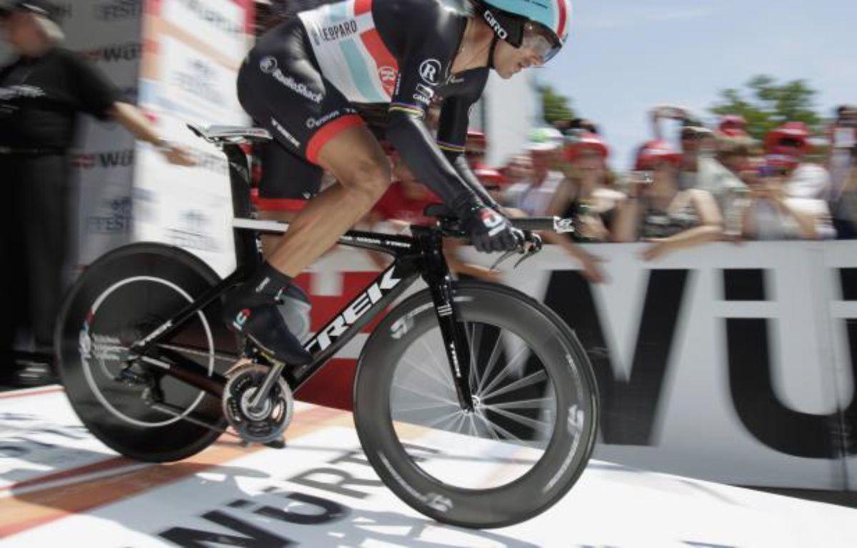 Le coureur suisse Fabian Cancellara, lors d'un contre-la-montre sur le Tour de Suisse, le 15 juin 2012. – D.Balibouse/REUTERS