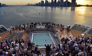 L'un des plus gros paquebots du monde, le Queen Mary 2, est entré dans le port de New York samedi 1er juillet au petit matin.