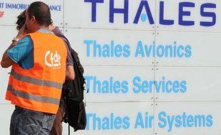 Un conseil d'administration du groupe Thales a été repoussé au 20 décembre pour permettre à l'Etat et à Dassault Aviation de s'entendre sur le choix du successeur du PDG, Luc Vigneron, croit savoir mardi le site La Tribune.fr.