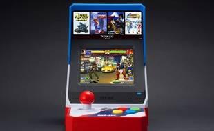 La Neo Geo Mini rend hommage à la mythique console des années 90, ou l'arcade à la maison