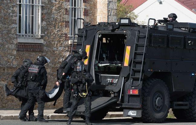 TÉLÉCHARGER ULTRA-VIOLENCE ARMES LOURDES DES POLICIERS DANS LA TOURMENTE GRATUITEMENT