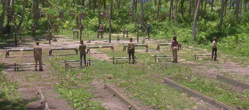 Cinq aventuriers et seulement trois poignards, c'est la dure loi de « Koh-Lanta »