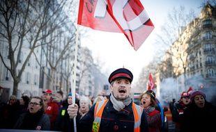 Jusque là, ce sont surtout des fonctionnaires qui ont mené la grève, les appels au privé sont restés lettre morte.